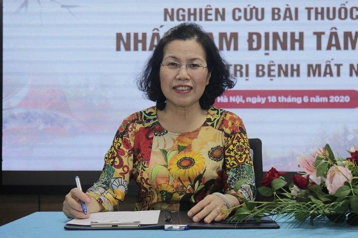 Tiến sĩ - Bác sĩ Nguyễn Thị Vân Anh phát biểu trong buổi lễ